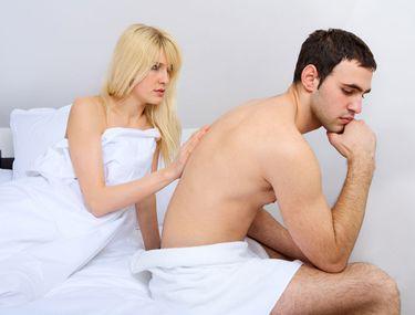femeie realizând o erecție